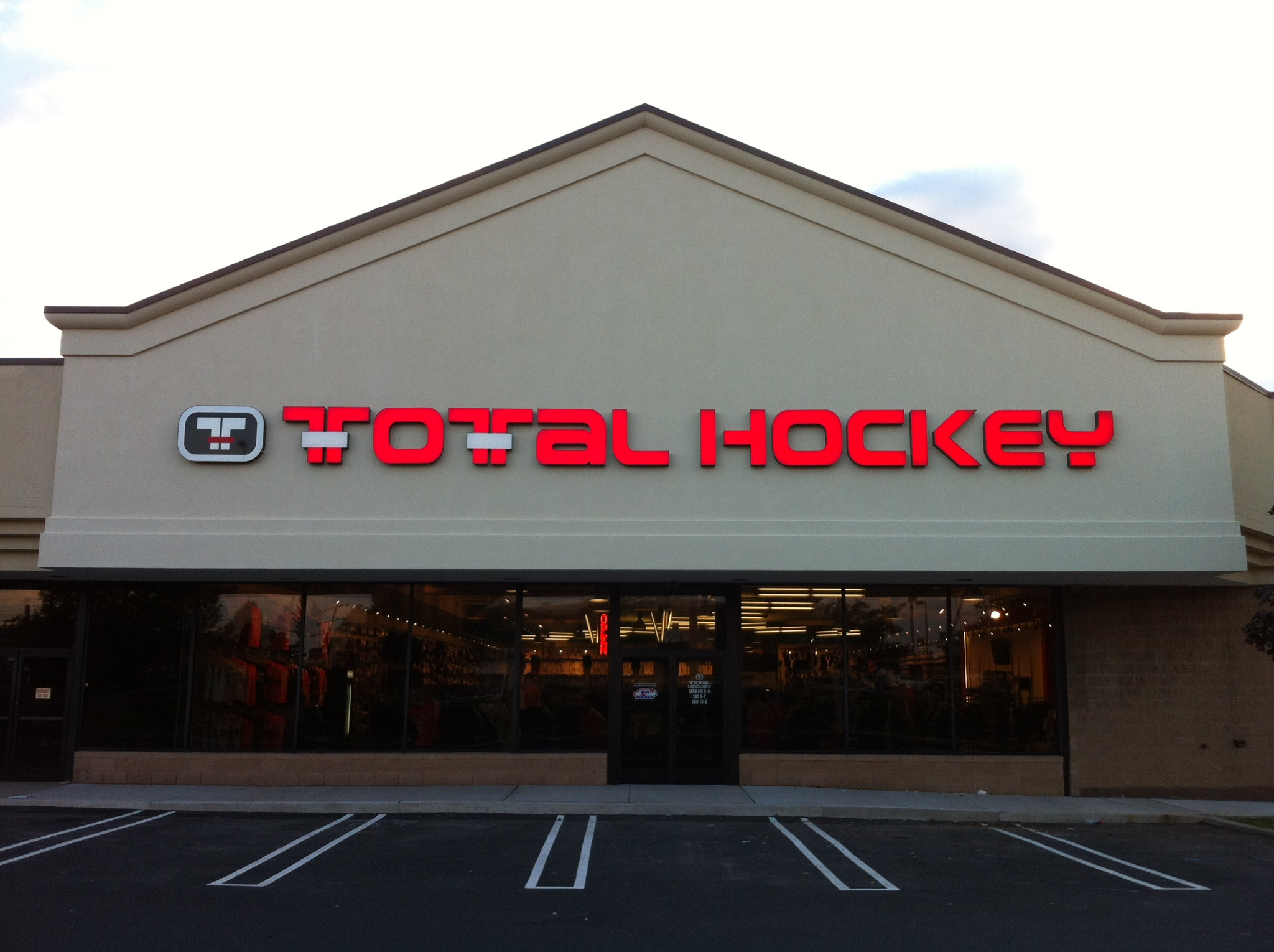 Total Hockey Store - Cranberry Township, PA